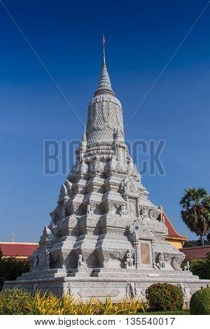banteay srei temple in cambodia in GoldTemple, Phnom Penh