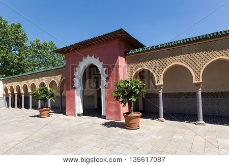Oriental Home - Court Oforiental House - Morocco Style