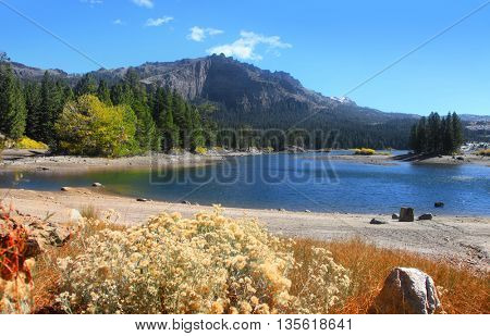 Caples lake in eastern Sierra along carson pass
