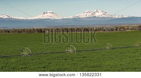 Three Sisters Stands Majestic Oregon Cascade Mountain Range