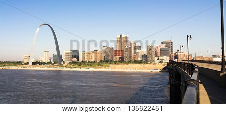 St Louis Missouri Downtown City Skyline Arch Gateway West