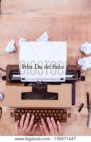 Feliz dia del padre written on paper with typewriter