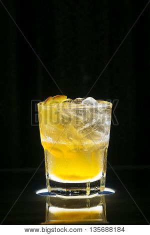 vodka and orange screwdriver classic famous fruity cocktail drink