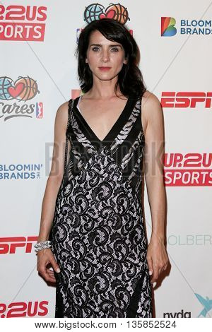 NEW YORK, NY-JUNE 3: Actress Michele Hicks attends the 2015 Up2Us Sports Gala at IAC Building on June 3, 2015 in New York City.