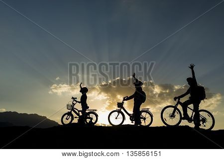 bike rides in nature.nature in peace with dad and the kids