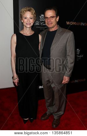 NEW YORK-MAR 30: Actor Peter Scolari and wife Tracy Shayne attend the