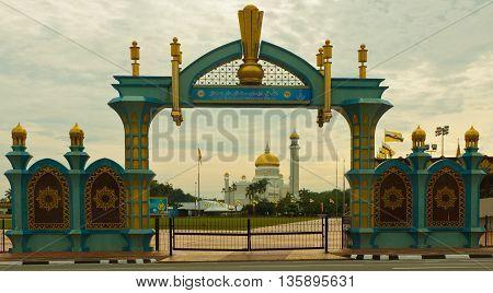 Sultan Omar Ali Saifuddin Mosque in an colored Archwayin Bandar Seri Begawan - Brunei Darussalam
