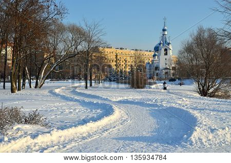 Saint-Petersburg.In the Park of the city is Sunnywinter day.On the street frost and snow crunches underfoot.