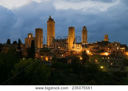 San Gimignano, Italy - September 24, 2017: Medieval Towers Of The Town Of San Gimignano In The Septe
