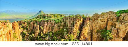 Panorama Of Camdeboo National Park Valley Of Desolation, Karoo In Eastern Cape Near Town Of Graaff-r