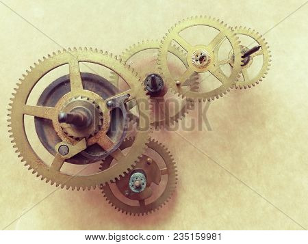 Gears and cog wheels