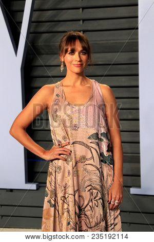 LOS ANGELES - MAR 4:  Rashida Jones at the 24th Vanity Fair Oscar After-Party at the Wallis Annenberg Center for the Performing Arts on March 4, 2018 in Beverly Hills, CA