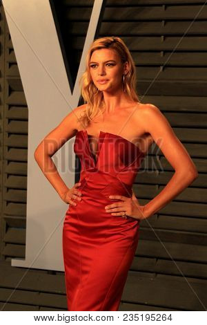 LOS ANGELES - MAR 4:  Kelly Rohrbach at the 24th Vanity Fair Oscar After-Party at the Wallis Annenberg Center for the Performing Arts on March 4, 2018 in Beverly Hills, CA