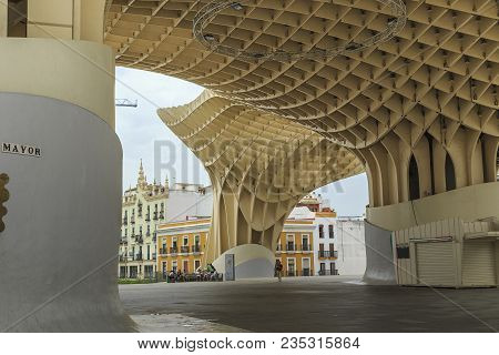 Seville, Spain - May 21, 2017: Metropol Parasol Is A Modern Construction Of Concrete And Wood That I