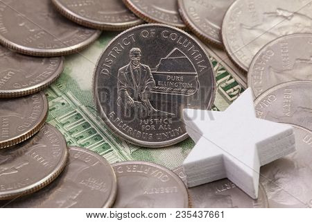 A Quarter Of District Of Columbia, Quarters Of Usa And White Star. A Circle Of The Us Quarters With