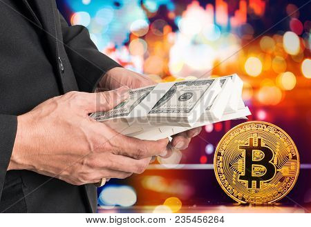 Businessmen Hold A Large Amount Of Digital Currency For Bitcoin Exchange Trading.digital Money Bitco