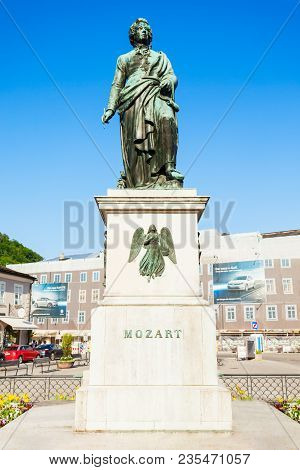 Salzburg, Austria - May 18, 2017: Mozart Monument Statue At The Mozartplatz Square In Salzburg, Aust
