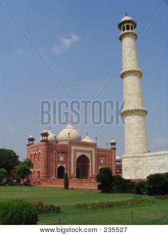 Taj Mahal Lateral Side