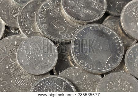 Bunch Of Peseta Coins From Spain, With Effigy Of King Juan Carlos I. Money Out Of Legal Tender. Coin