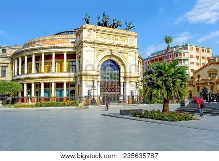 Palermo, Italy - September 25, 2005:  Sicily Island, People In The Square Of The Politeama Theatre