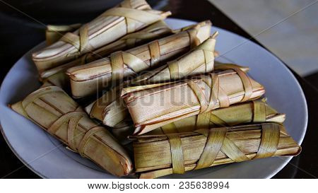 Philippine Delicacy- Suman Sa Ibos Suman Sa Ibos Is A Filipino Traditional Delicacy Made Of Glutinou