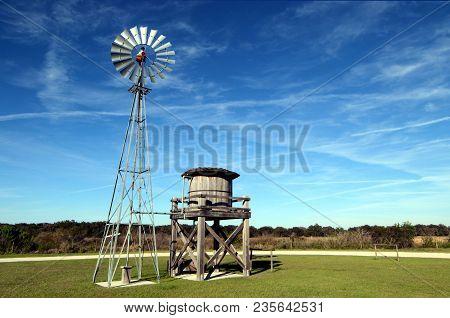 Twin Oaks Windmill / Windmill At Twins Oaks Park Near Kissimmee, Florida