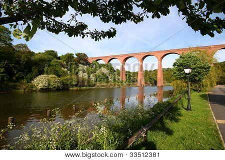 Viktoriánské viadukt.