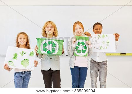 Primary school students as environmentalists are planning a recycling project