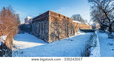 Uzhhorod, Ukraine - 03 Jan, 2009: Panorama Of Uzhgorod Castle On A Sunny Winter Day. Popular Travel