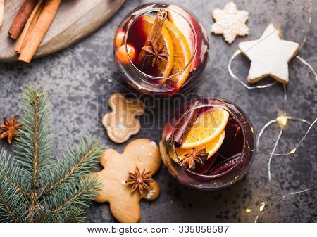 Mulled Wine.christmas Mulled Wine  In Circle Glasses Delicious Holiday Like Parties With Orange Cinn