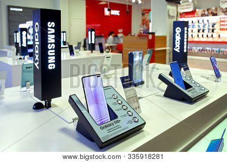 Minsk, Belarus - November 22, 2019: Samsung Galaxy S10+ Mobile Smartphone Are Displayed On Retail Di