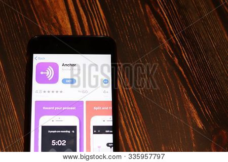 Los Angeles, California, Usa - 26 November 2019: Anchor App Store Page Close Up On Desk Top View, Il
