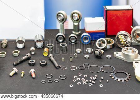 Various Industrial Metal Parts E.g. Bearing Ball Connector Joint Ring Gasket Internal External Retai