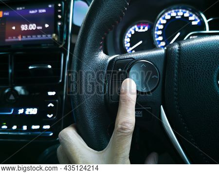 Call And Dial Buttons, In-car, Comfort And Safety While Driving, Stylish And Luxurious.