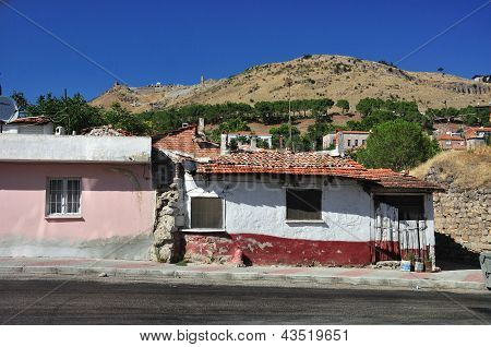 Tradional Turkish Houses, Old Village Street (pergamon)