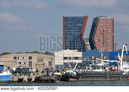 Klaipeda, Lithuania - October 02: Old Town Architecture And Port At October 02, 2021 In Klaipeda, Li