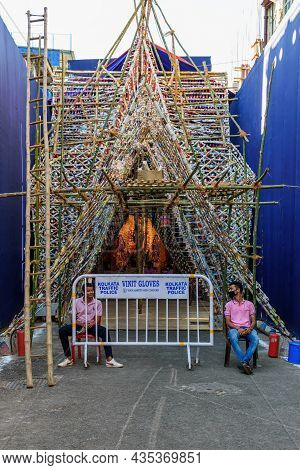 People Are Visiting Durga Puja Pandals From Outside Because Durga Puja Pandals Are Made No-entry Zon