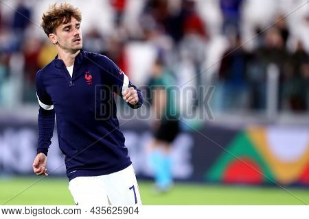 Torino, Italy. 7 October. Antoine Griezmann Of France  During Warm Up Before The  Uefa Nations Leagu