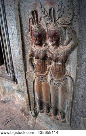 Sculpture Carving Figure Apsaras Or Apsara Angel Deity Female Spirit Of Clouds And Waters Elegant An