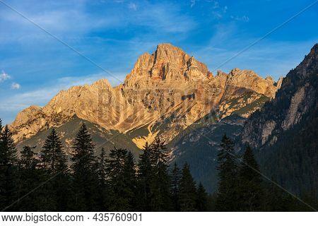 Mountain Peak Of The Dolomites At Sunrise. Croda Rossa D'ampezzo Or Hohe Gaisl, Dolomites, Unesco Wo