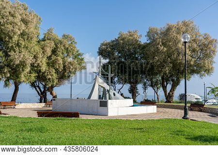 Chania, Crete, Greece - September 22, 2021: The Hand Monument Erected In 1990 At Talos Square. It Co