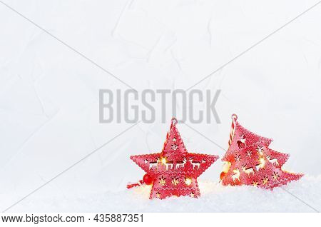 Christmas Fun Decorations - Cute Red Christmas Tree And Star With Festive Ornament And Burning Light