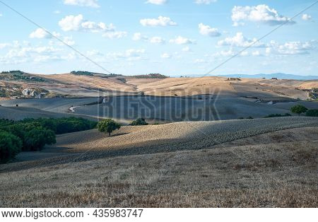 Tuscany, Italy. August 2020. Amazing Landscape Of The Tuscan Countryside With The Typical Rolling Hi