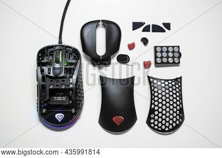 09 October 2021- Bucharest, Romania. The Gaming Mouse Genesis Xenon 800 With It\'s Interior Displaye