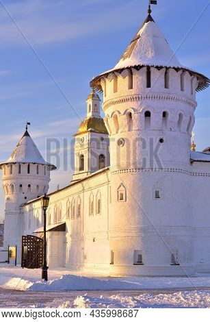 Tobolsk Kremlin In Winter. Towers And Walls Of Guest Yard, Ancient Russian Architecture Of The Xviii