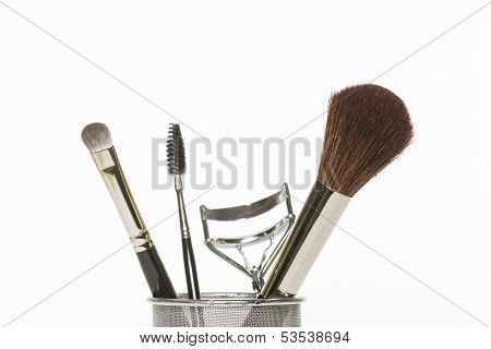 Make-up And Grooming Tools And Brushes