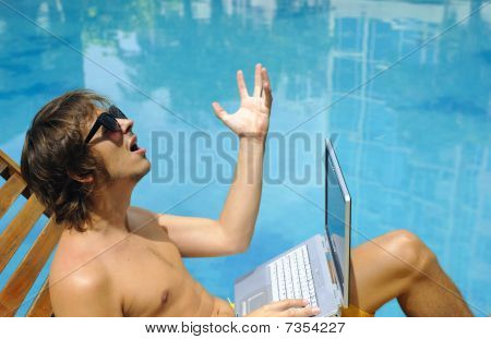 Laptop Holiday