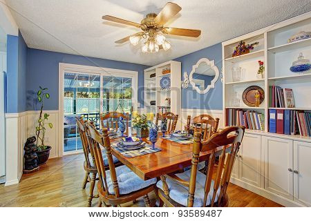 Beautifully Decorated Dinning Room.