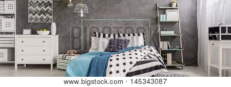 Stripes And Dots In Home Decoration