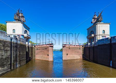 Gateway On Channel Ships